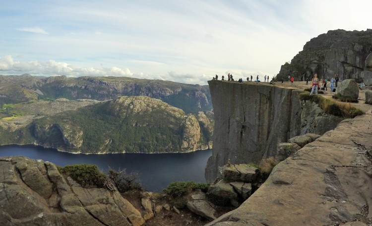 We celebrated by doing a 10km race together before spending 4 hours climbing to Preikestolen, a 600m cliff nearby. Let's just say I slept well that night…