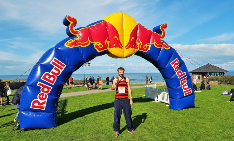 red-bull-steeplechase-finish-simon-messenger-medal-2