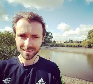 Training run along the Thames and an increasingly aerodynamic forehead