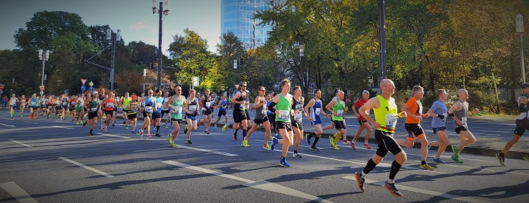 frankfurt-marathon-october-2016-simon-messenger-group
