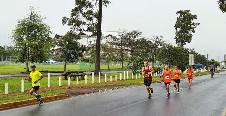 costa-rica-san-jose-half-marathon-media-maraton-15km-simon-messenger