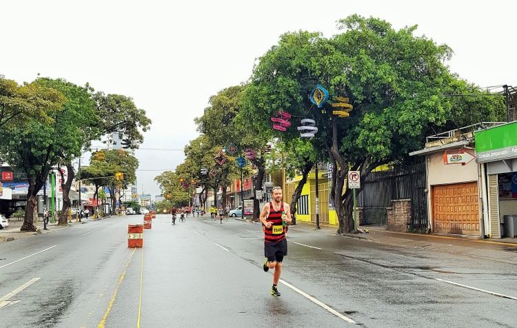 costa-rica-san-jose-half-marathon-media-maraton-simon-messenger-7km