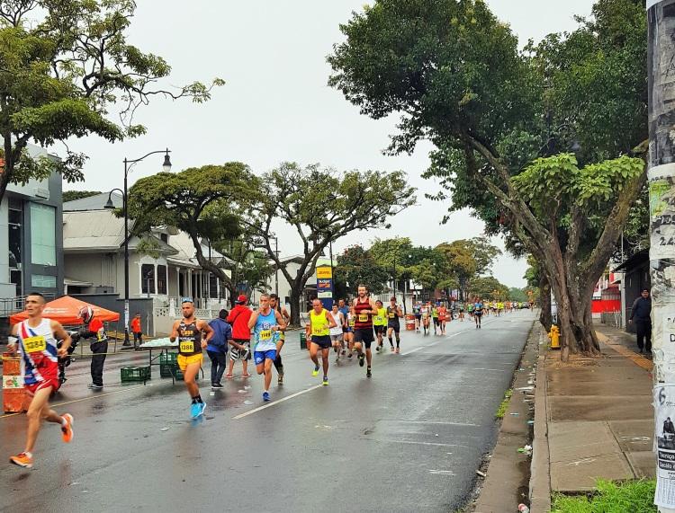 costa-rica-san-jose-half-marathon-media-maraton-simon-messenger-km2